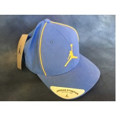 Nike Jordan Stretch cap  Light Blue with Gold Trim  New with Tags  Flex Fit  eb-70995686