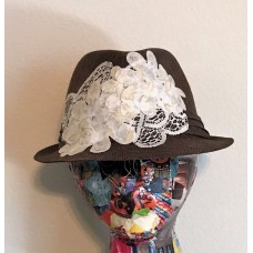 Mujer's HandDecorated Brown Straw Fedora Hat Decorated with Cream Lace  eb-84776611